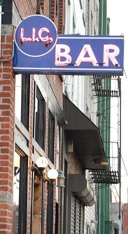 LIC Bar