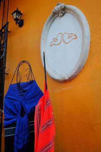Women in Shawls at Bazar Sabado