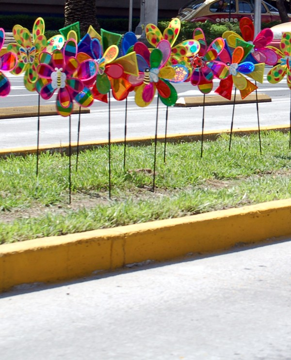 And, as with everywhere in Mexico, there are vendors and things for sale the entire way. Desperate for a pinwheel? No hay problema!
