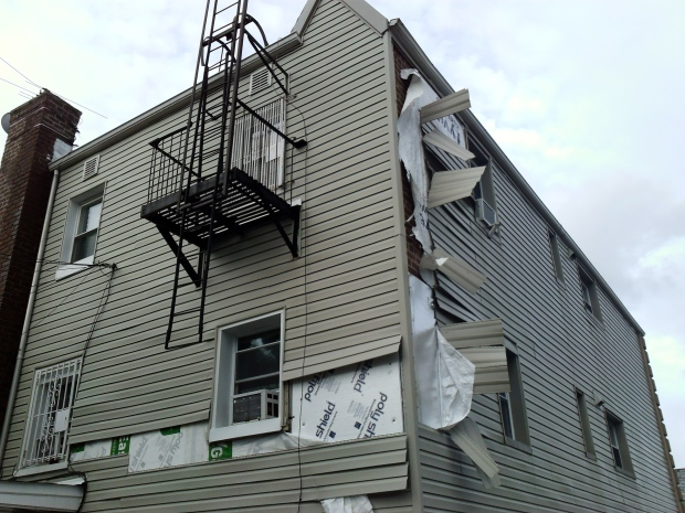 how to take off aluminum siding